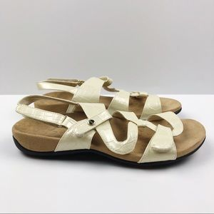 046fa77a2980 Vionic Shoes - Vionic Paros Flat Sandal Embossed Cream
